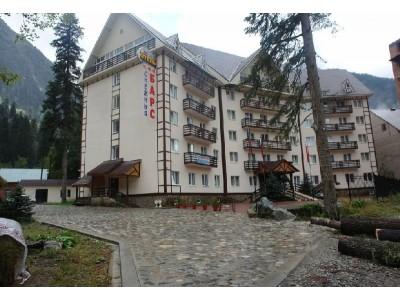 Отель Снежный барс Домбай | Территория, внешний вид